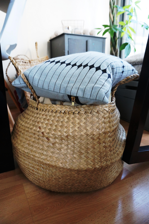 cool le panier boule en jonc ou encore panier thalandais. Black Bedroom Furniture Sets. Home Design Ideas